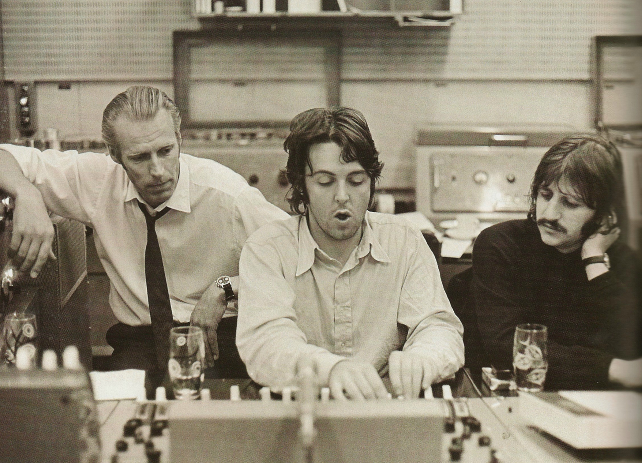 Resultado de imagen de Beatles George Martin 1968